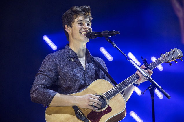 Shawn Mendes at Fiserv Forum